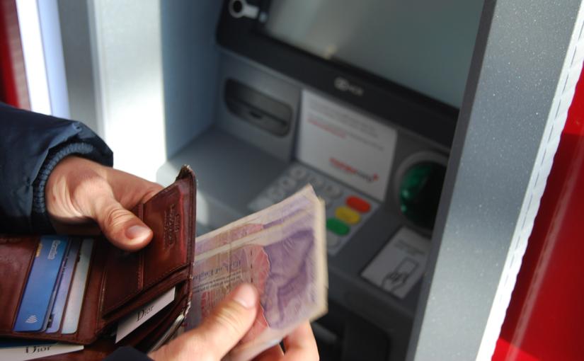 金融業でのAI活用事例5選「返済を延滞する人を予想」ほか | Ledge.ai