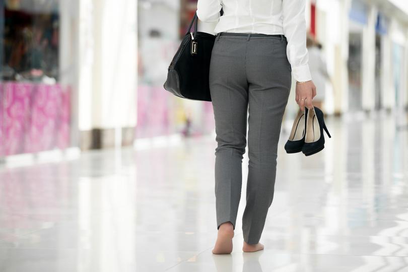 クロックス、ビルケンシュトック…… 履き心地の良い靴を求める消費者はハイヒールを捨てた | Business Insider Japan